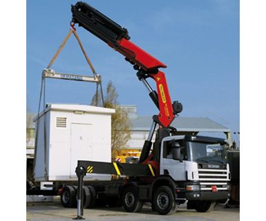 transporte con camión grúa